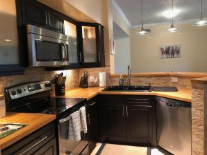 11760  St Andrews Place 303 For Sale 10560125, FL