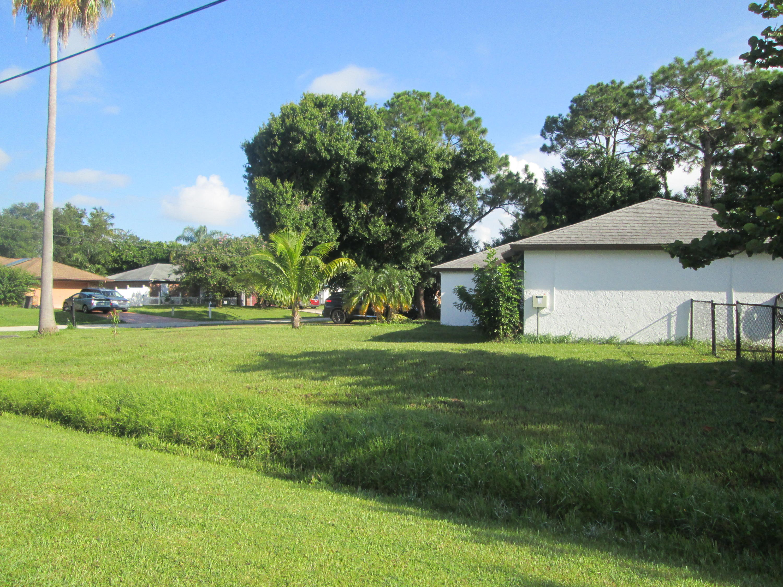 2497 SW Warwick Street Port Saint Lucie, FL 34953 photo 2