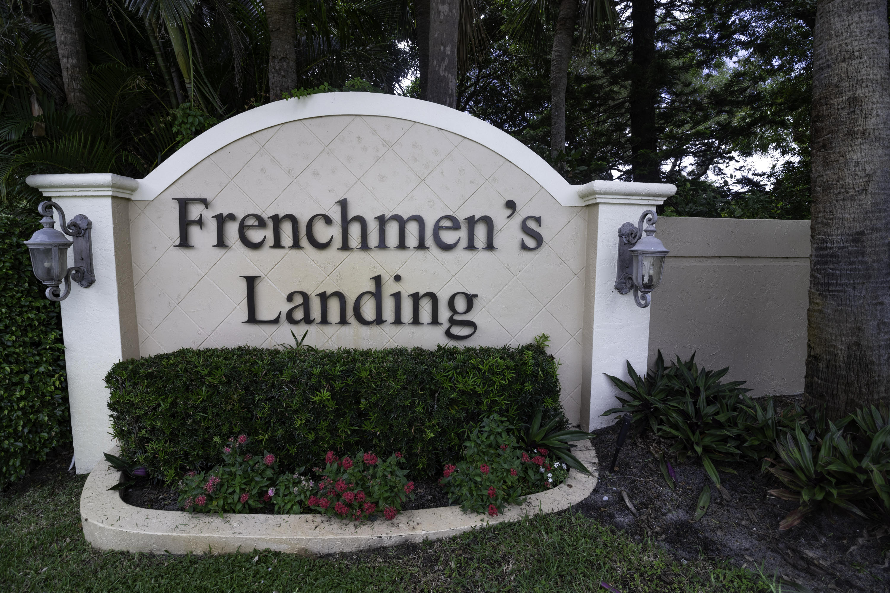 FRENCHMENS LANDING REALTOR