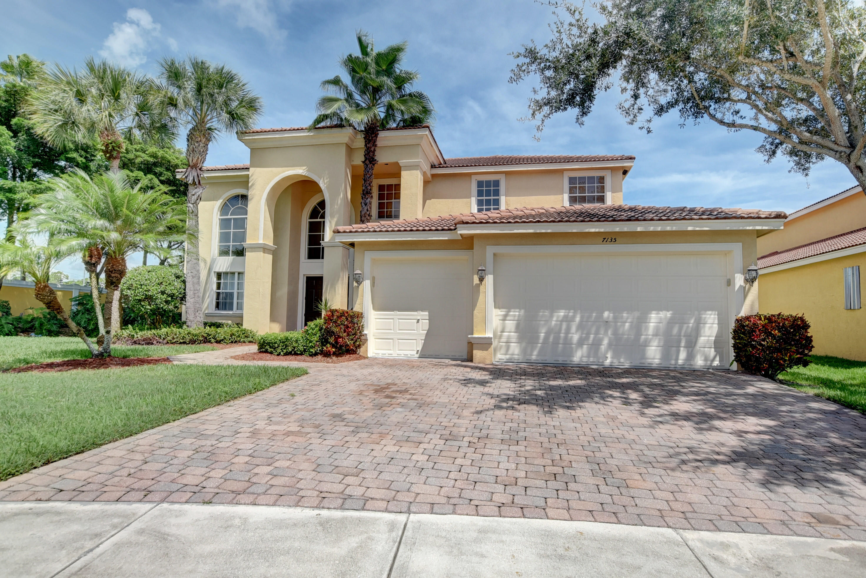 7135 Via Abruzzi Lake Worth, FL 33467