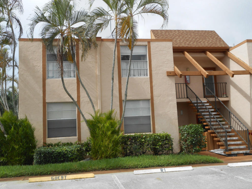 11 Willowbrook Lane 202  Delray Beach, FL 33446