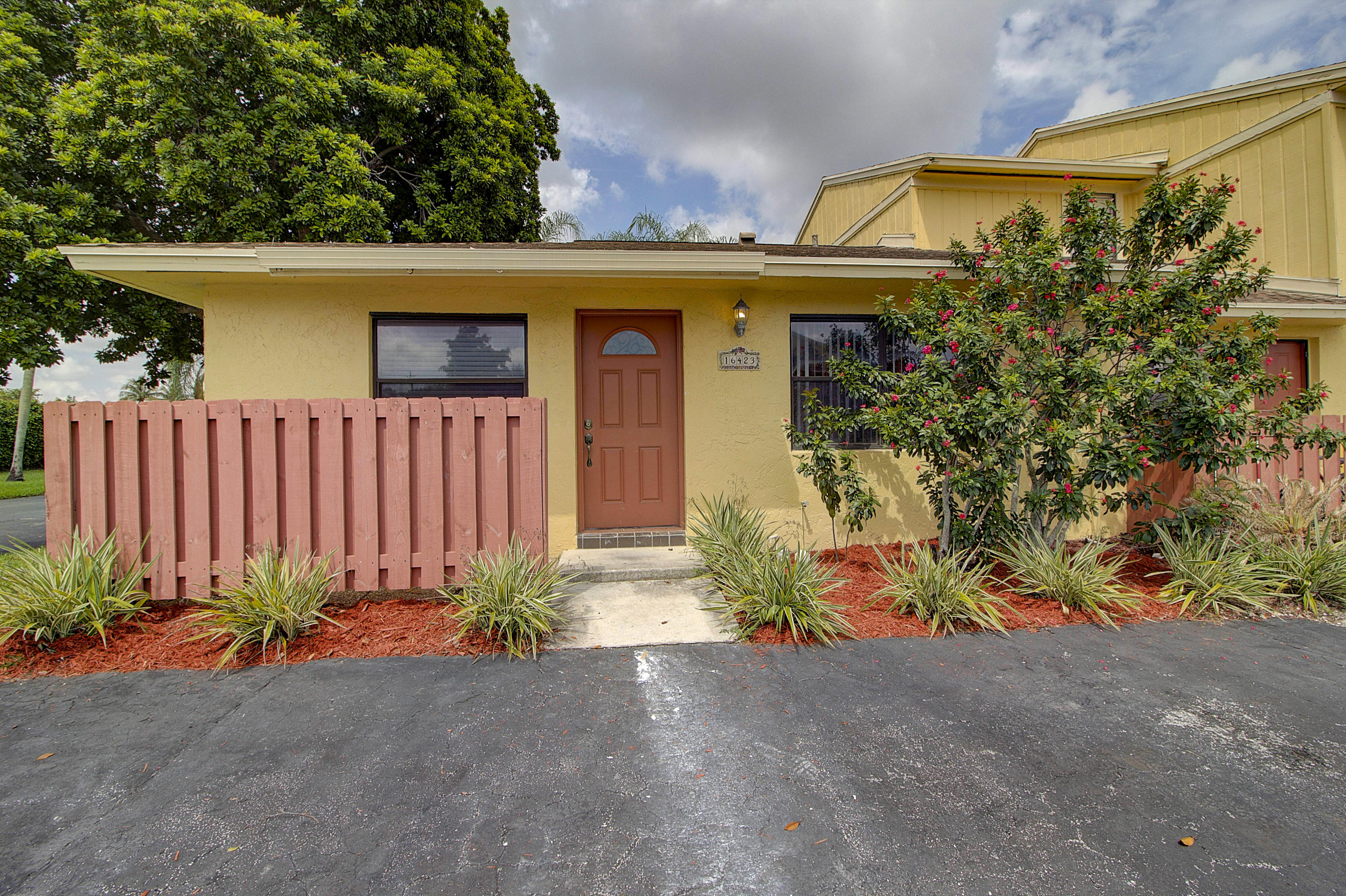 16423 Strawberry Way  Delray Beach, FL 33484