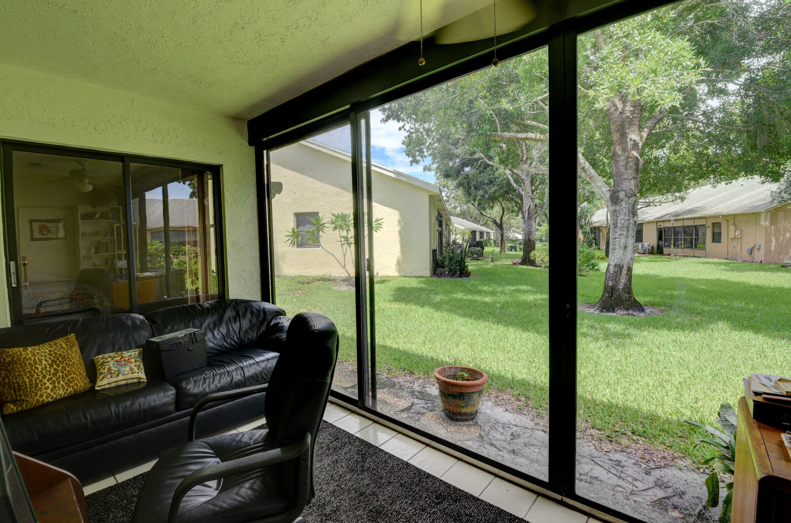 10879 Lake Front Place Boca Raton, FL 33498 photo 2