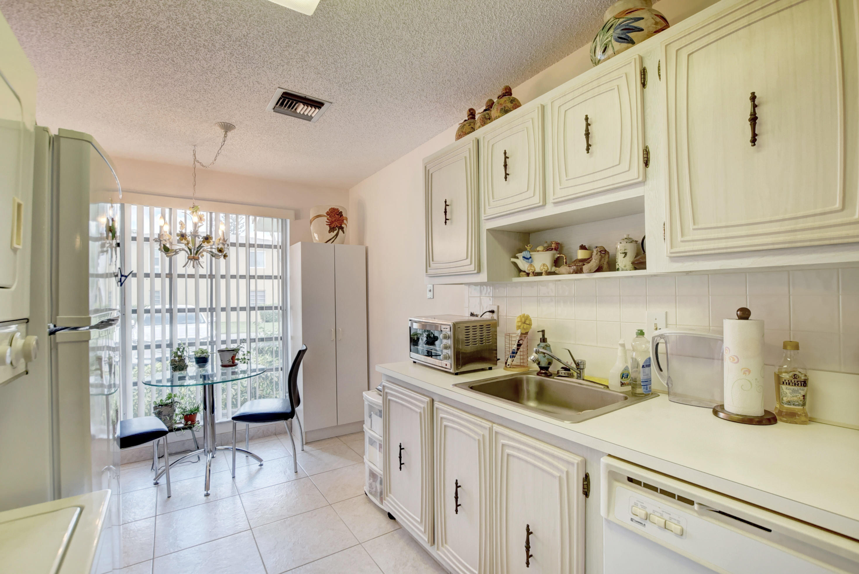 13893 Via Aurora, Delray Beach, Florida 33484, 2 Bedrooms Bedrooms, ,2 BathroomsBathrooms,Residential,for Sale,PALM GREENS,Via Aurora,RX-10562578, , , ,for Sale