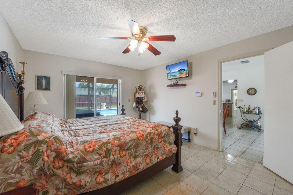 113 Santa Cruz Avenue Royal Palm Beach, FL 33411 photo 22