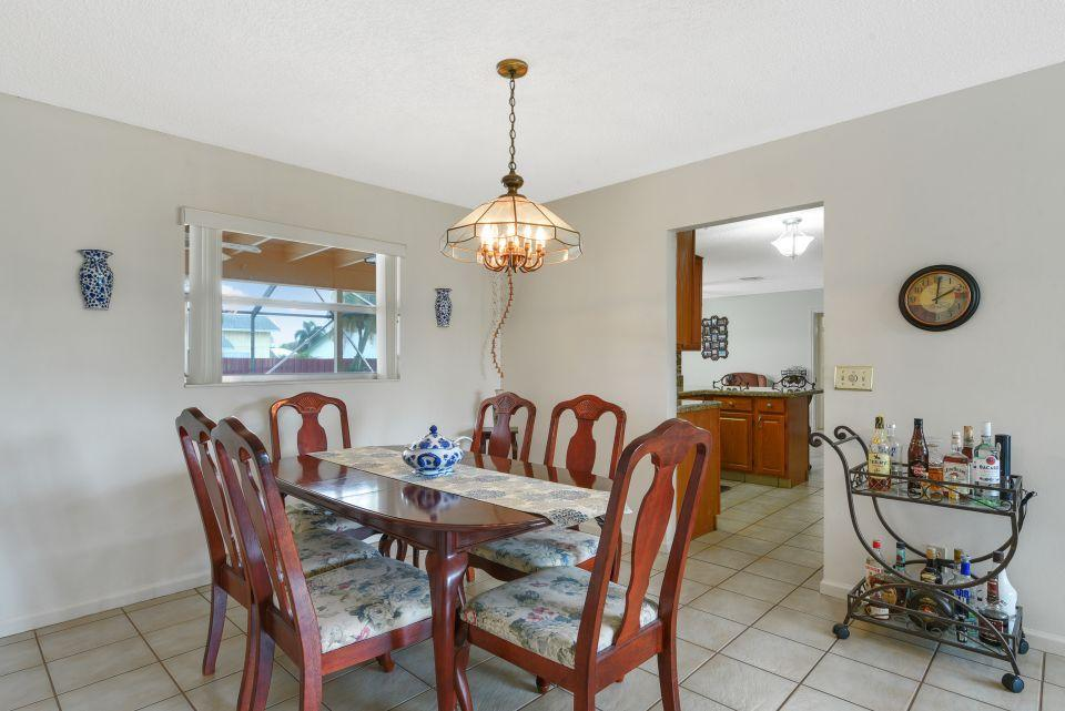 113 Santa Cruz Avenue Royal Palm Beach, FL 33411 photo 13