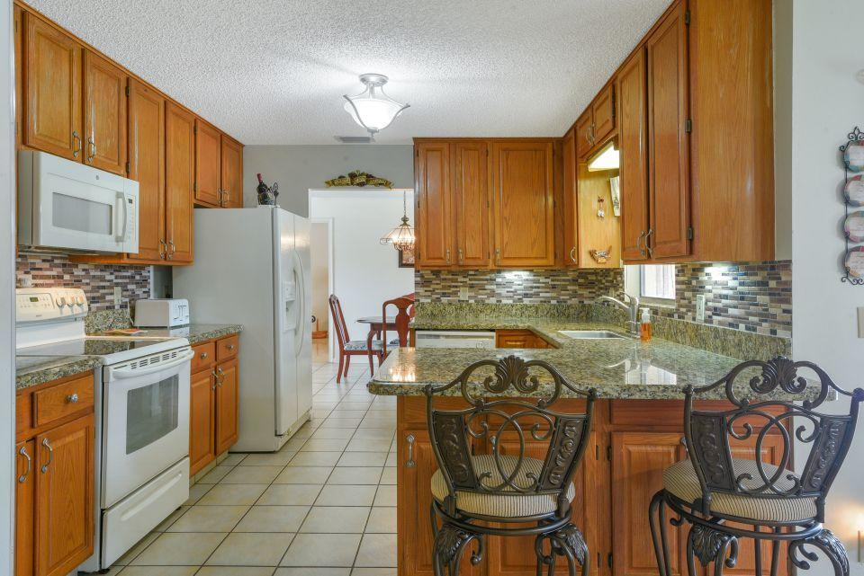 113 Santa Cruz Avenue Royal Palm Beach, FL 33411 photo 9