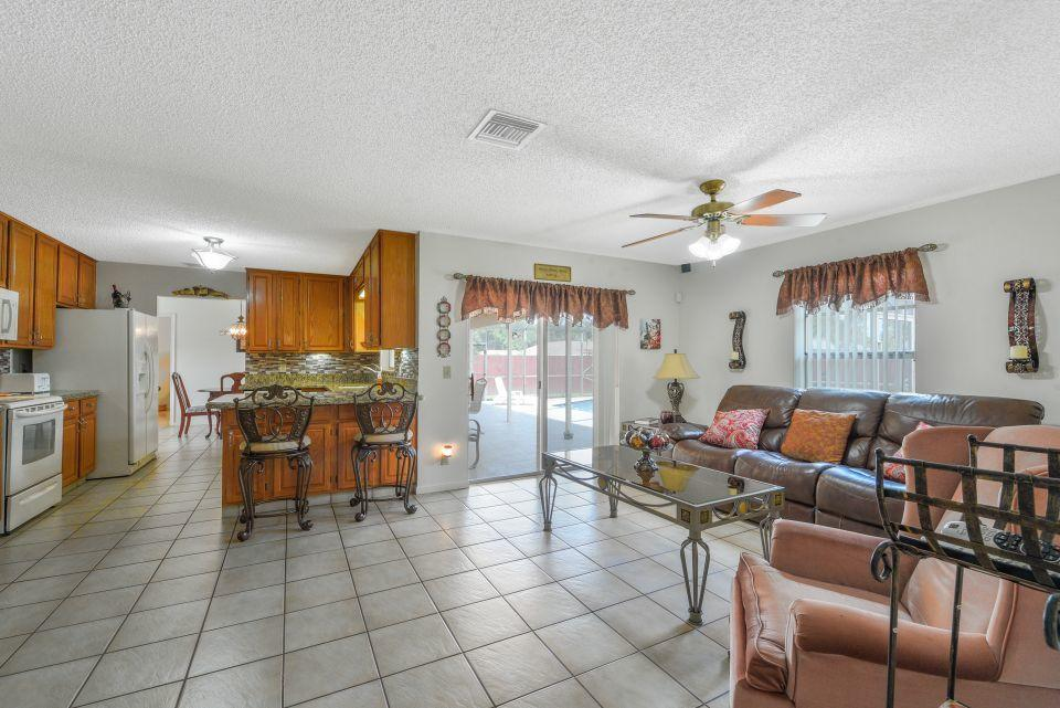113 Santa Cruz Avenue Royal Palm Beach, FL 33411 photo 12