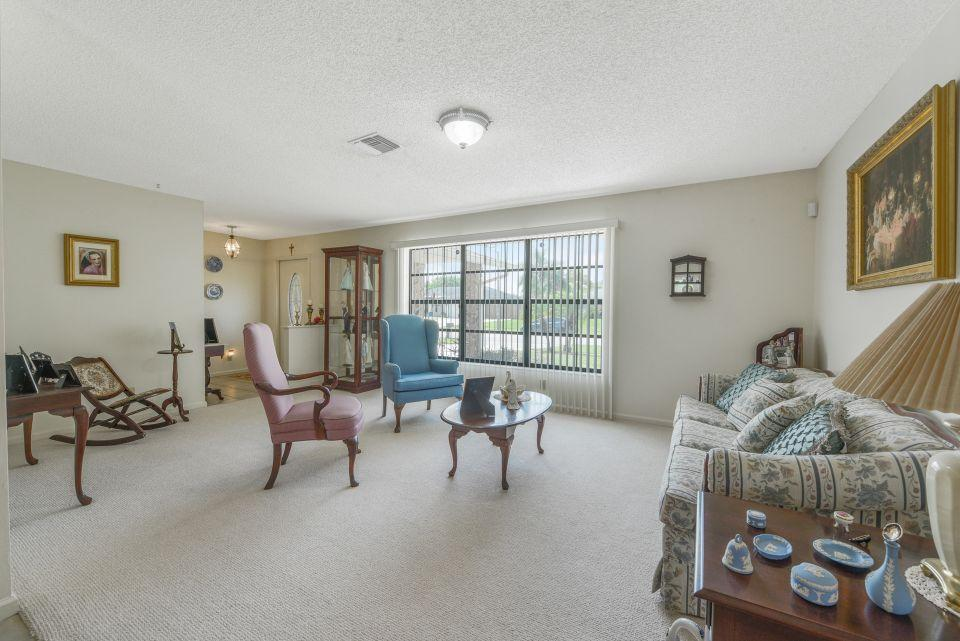 113 Santa Cruz Avenue Royal Palm Beach, FL 33411 photo 6