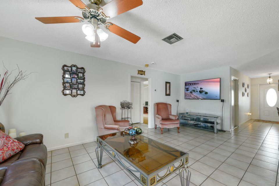 113 Santa Cruz Avenue Royal Palm Beach, FL 33411 photo 7