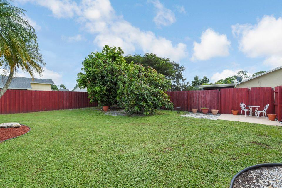 113 Santa Cruz Avenue Royal Palm Beach, FL 33411 photo 17