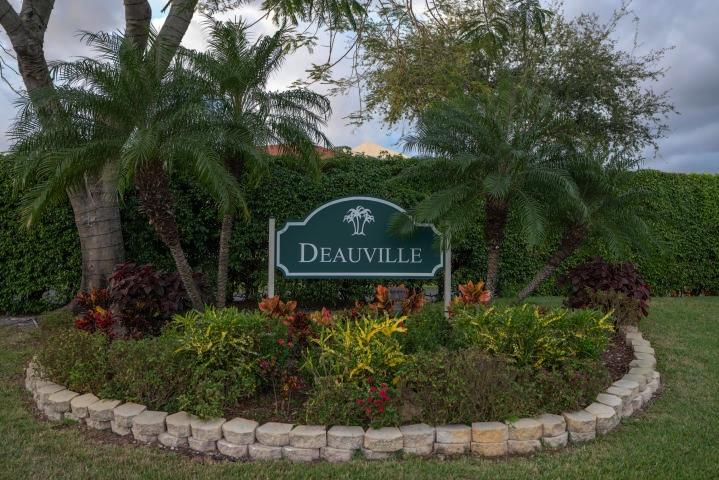 14823 Cumberland Drive 206  Delray Beach, FL 33446