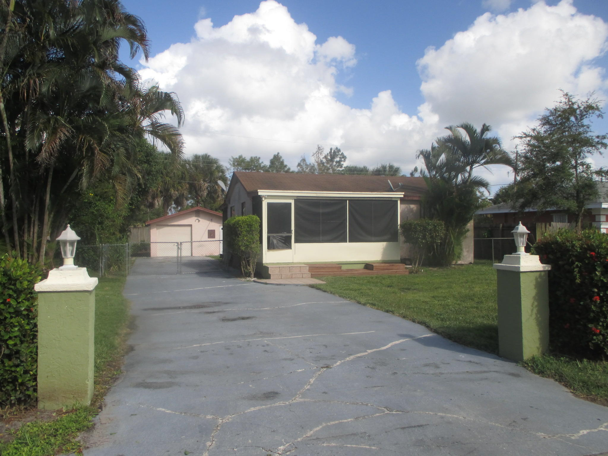 2318 Caroma Lane West Palm Beach, FL 33415