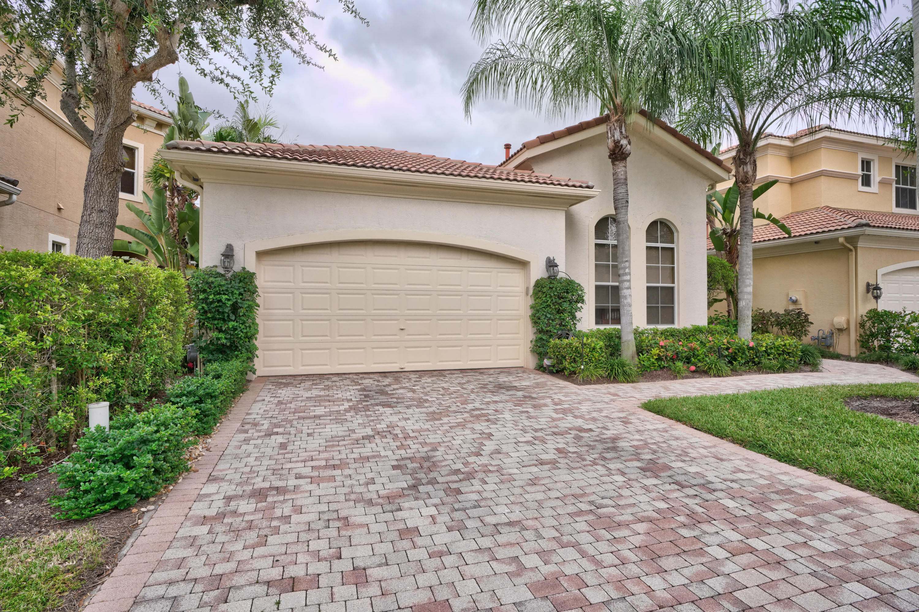 215 Andalusia Drive, Palm Beach Gardens, Florida 33418, 3 Bedrooms Bedrooms, ,2.1 BathroomsBathrooms,A,Single family,Andalusia,RX-10563965