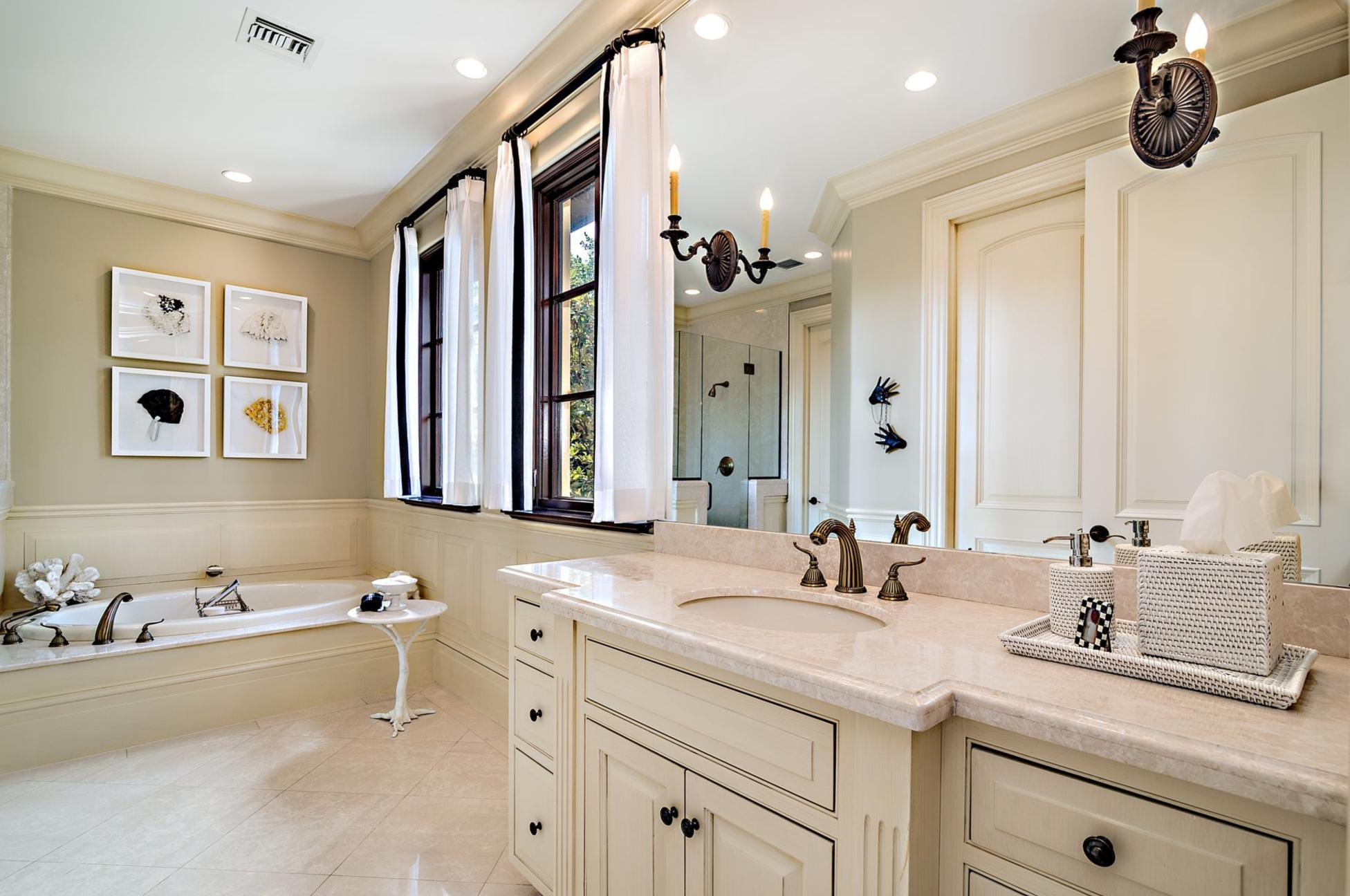 137  Woodbridge Road , Palm Beach FL 33480 is listed for sale as MLS Listing RX-10565997 photo #13