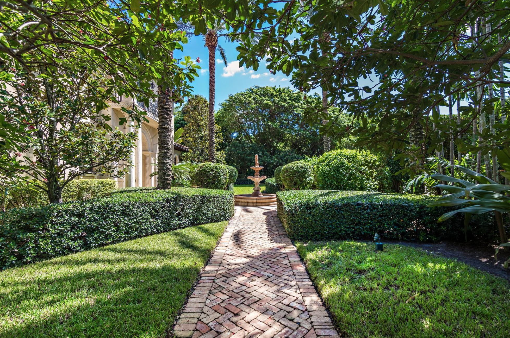 137  Woodbridge Road , Palm Beach FL 33480 is listed for sale as MLS Listing RX-10565997 photo #20