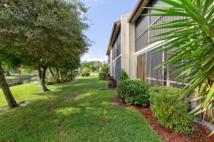 3528  Featherwood Drive 212 For Sale 10564523, FL
