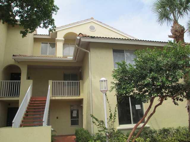 2106 Glenmoor Drive West Palm Beach, FL 33409