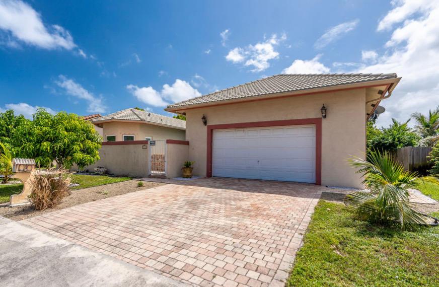 1715 Carson Avenue Lake Worth, FL 33460