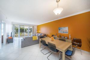 Boca Reef Condominium