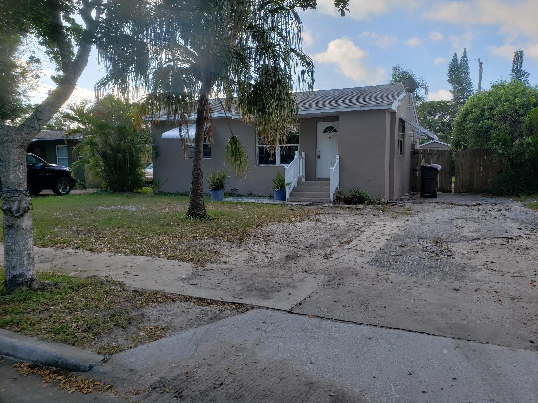 1110 Oak Street, West Palm Beach, Florida 33405, 3 Bedrooms Bedrooms, ,2 BathroomsBathrooms,Residential,For Sale,Oak,RX-10563914