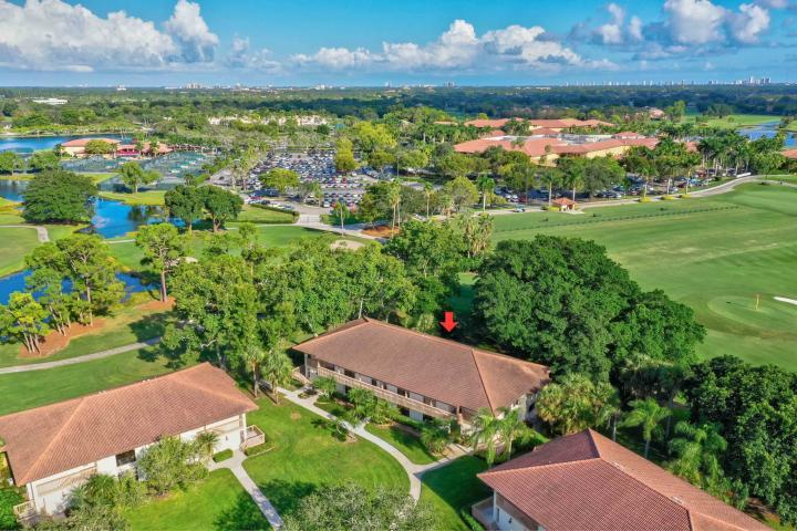 GOLF VILLAS COND AT PGA NATIONAL PALM BEACH GARDENS