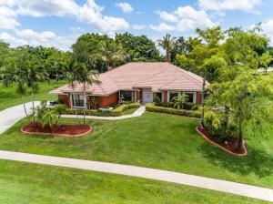 15200  Meadow Wood Drive  For Sale 10565396, FL