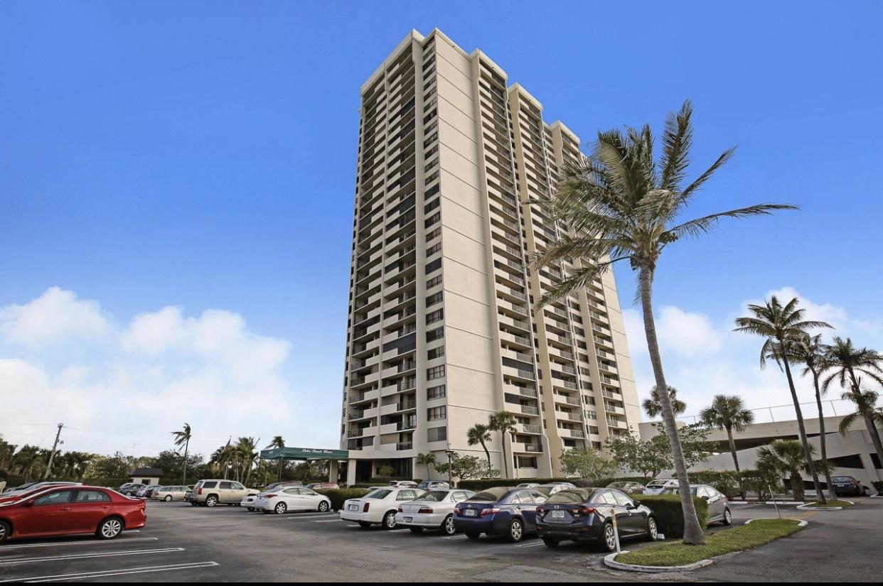 5600 N Flagler Drive 1207 West Palm Beach, FL 33407