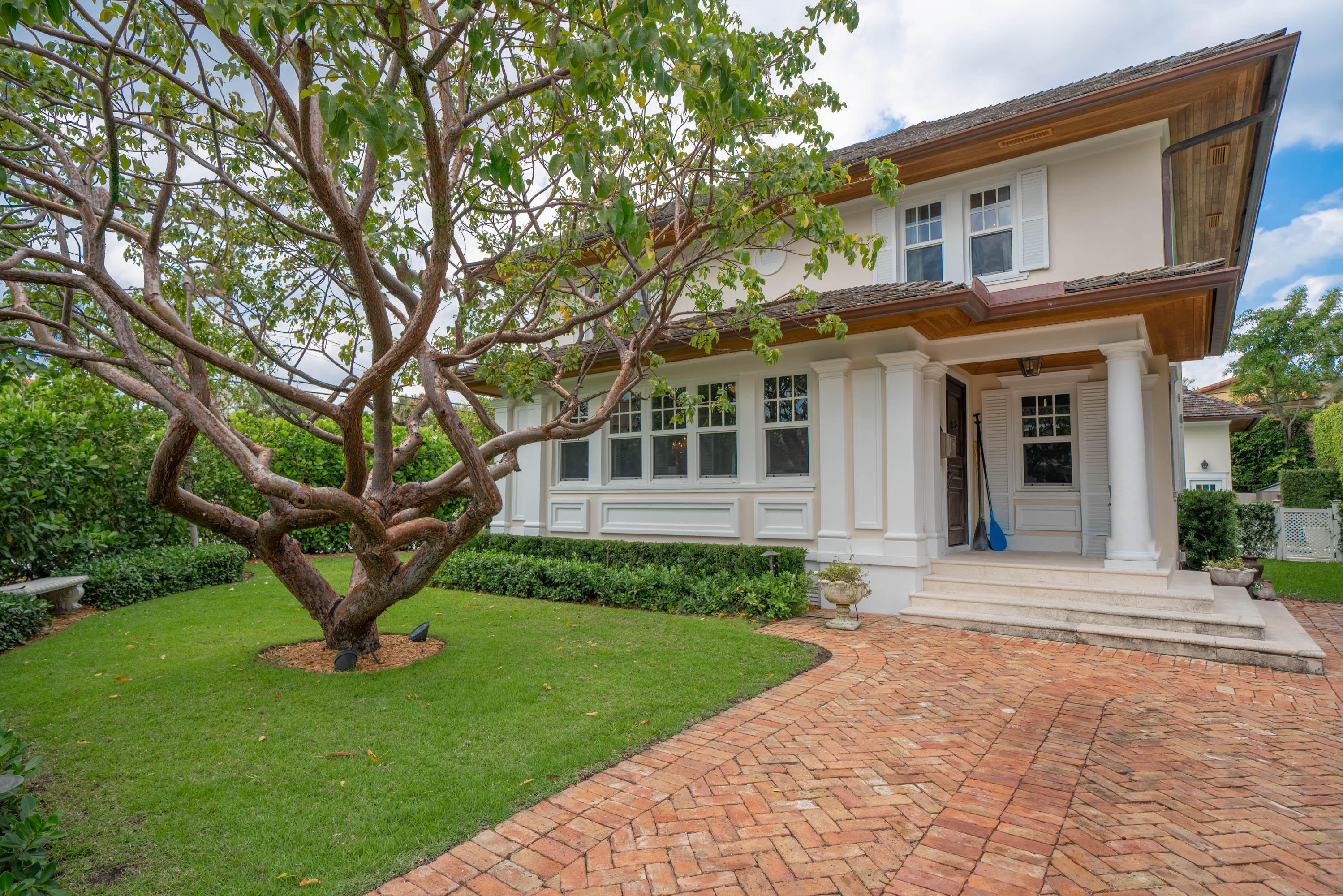 359 Seaspray Avenue - Palm Beach, Florida