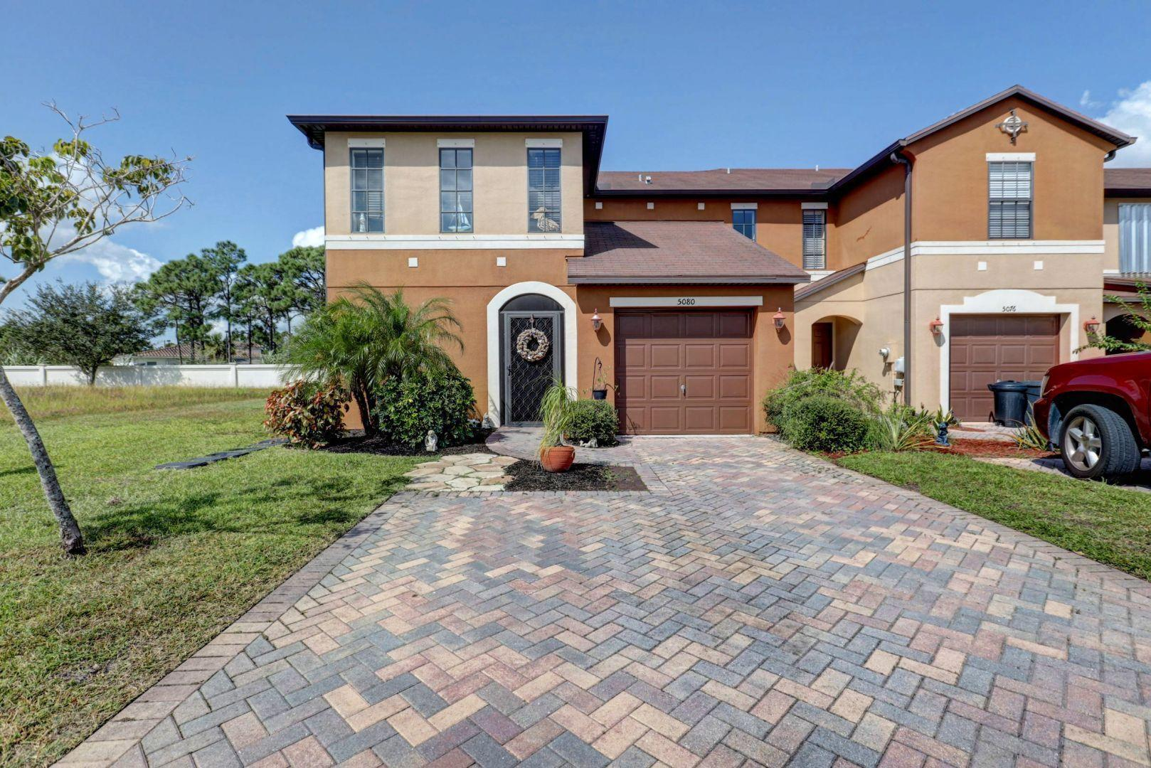 CAMBRIDGE TOWNHOMES HOMES