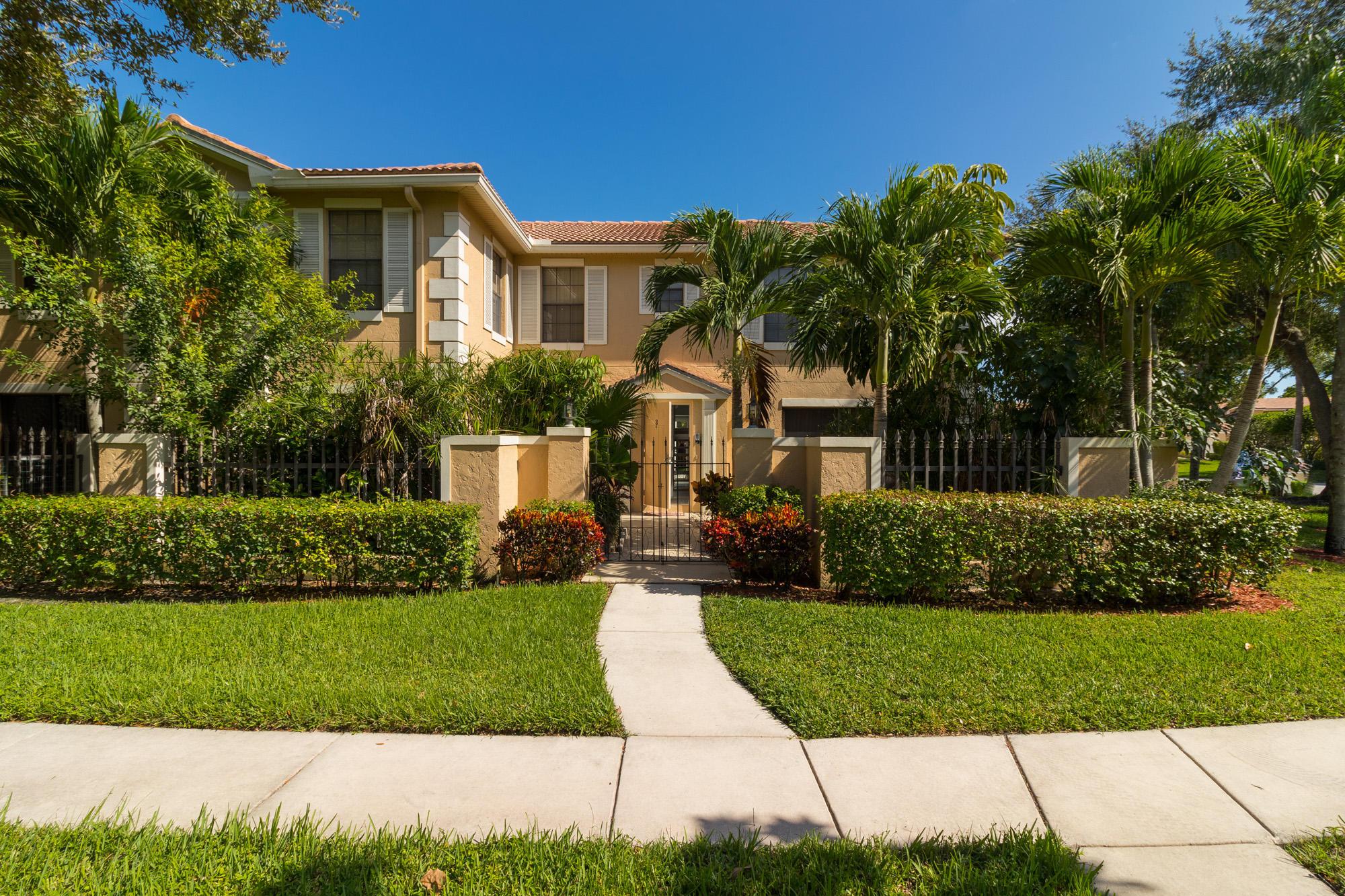 351 Prestwick Circle 3, Palm Beach Gardens, Florida 33418, 2 Bedrooms Bedrooms, ,3 BathroomsBathrooms,F,Townhouse,Prestwick,RX-10566170