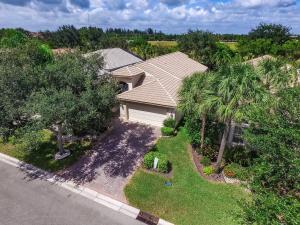 VALENCIA SHORES home 8793 Arbor Walk Drive Lake Worth FL 33467