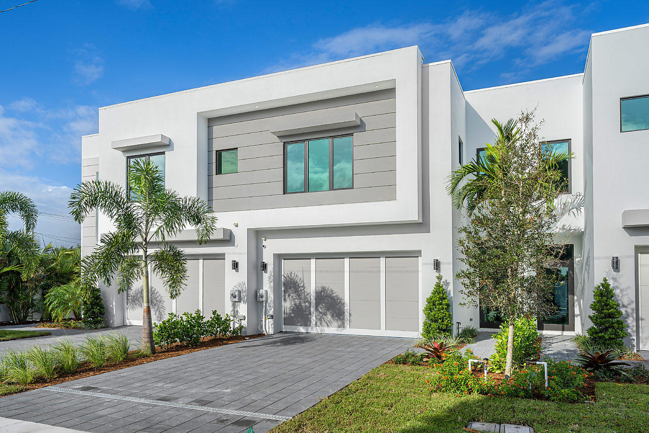 830 NE 7th Avenue  Delray Beach FL 33483
