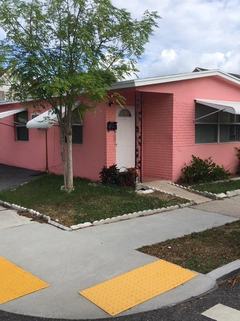 Home for sale in clows add to wpb West Palm Beach Florida