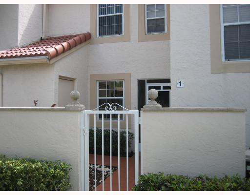 Home for sale in EMERALD POINTE CONDO Delray Beach Florida