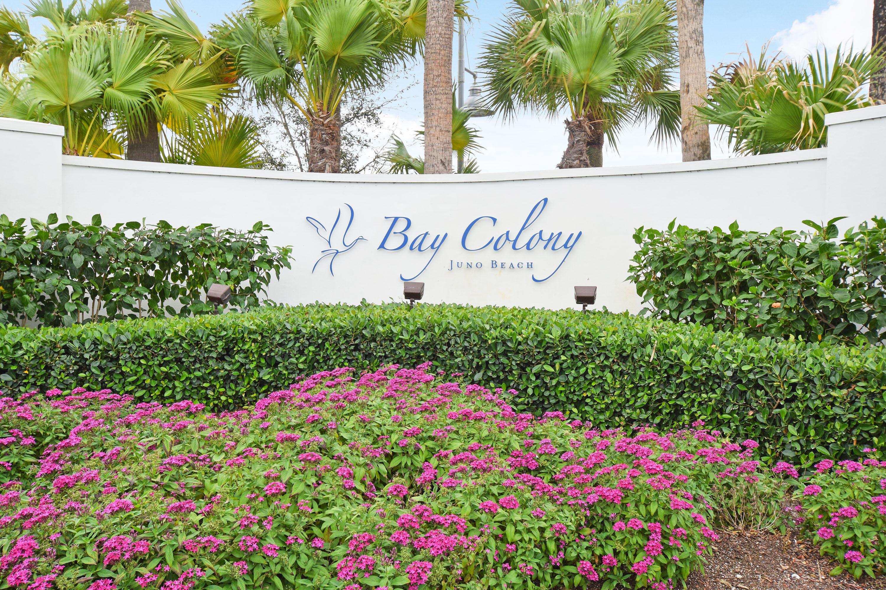 Photo of 543 Bay Colony # listing for Sale