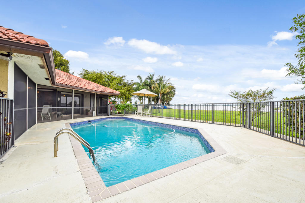 Home for sale in Presidenti Country Club Estates West Palm Beach Florida