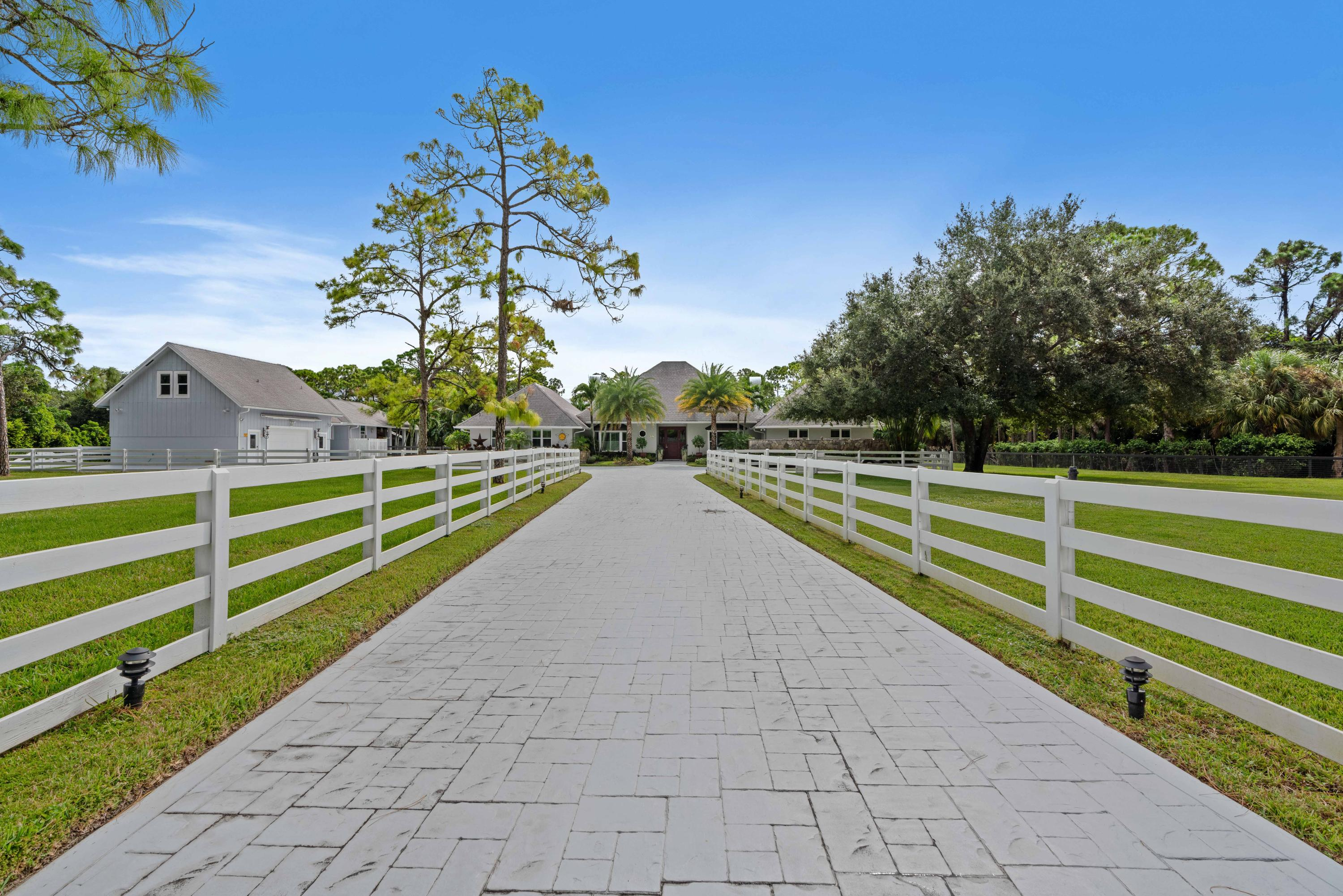 HORSESHOE ACRES HOMES FOR SALE