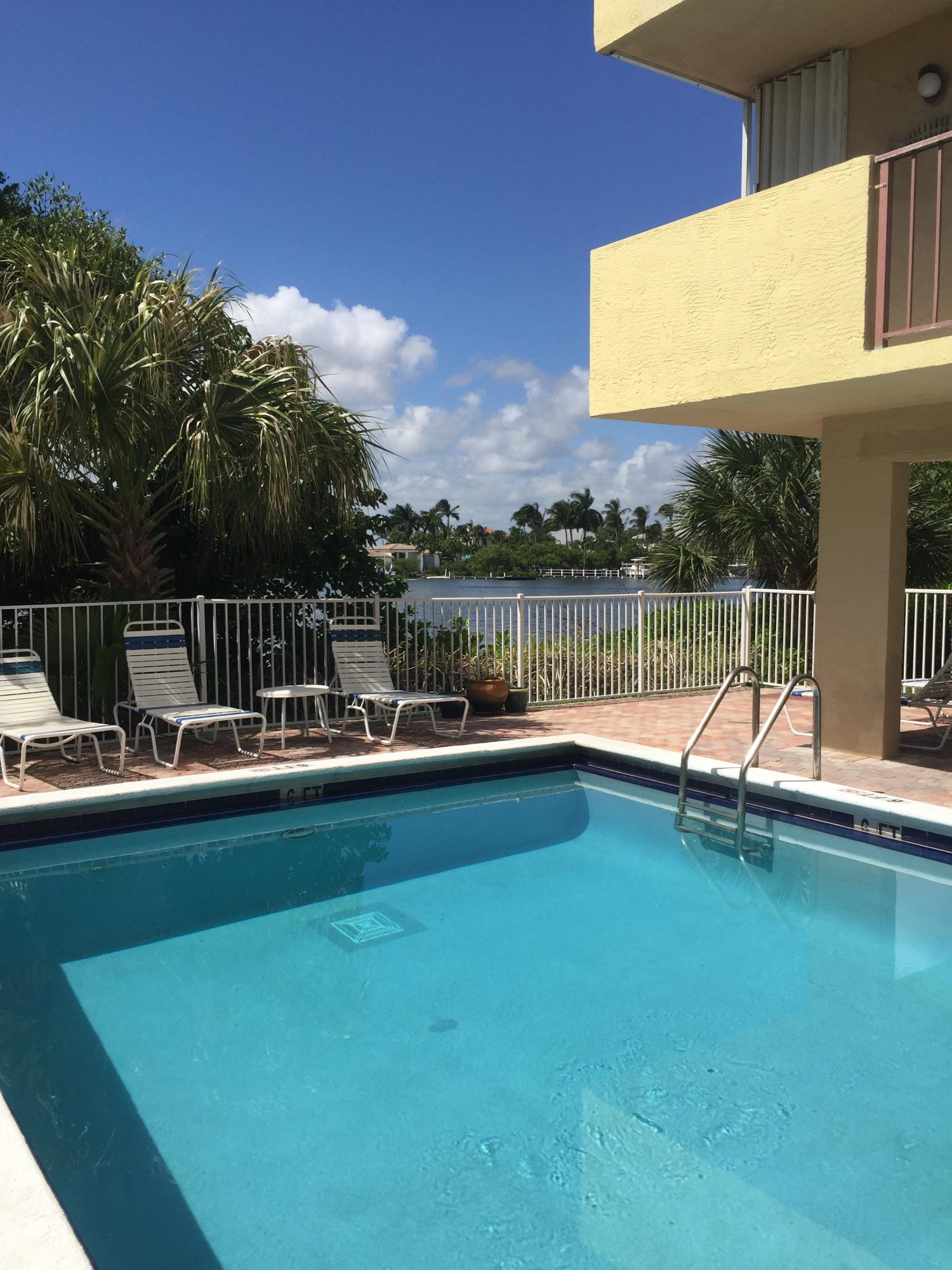 Photo of home for sale at 3581 S Ocean Boulevard, South Palm Beach FL