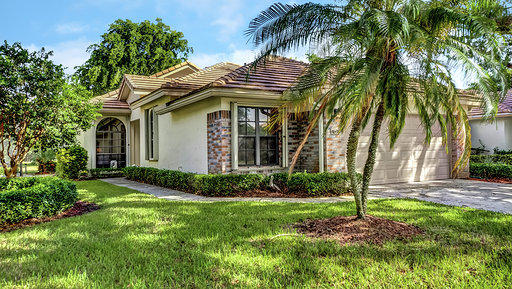 Photo of home for sale at 4695 Sherwood Forest Drive, Delray Beach FL