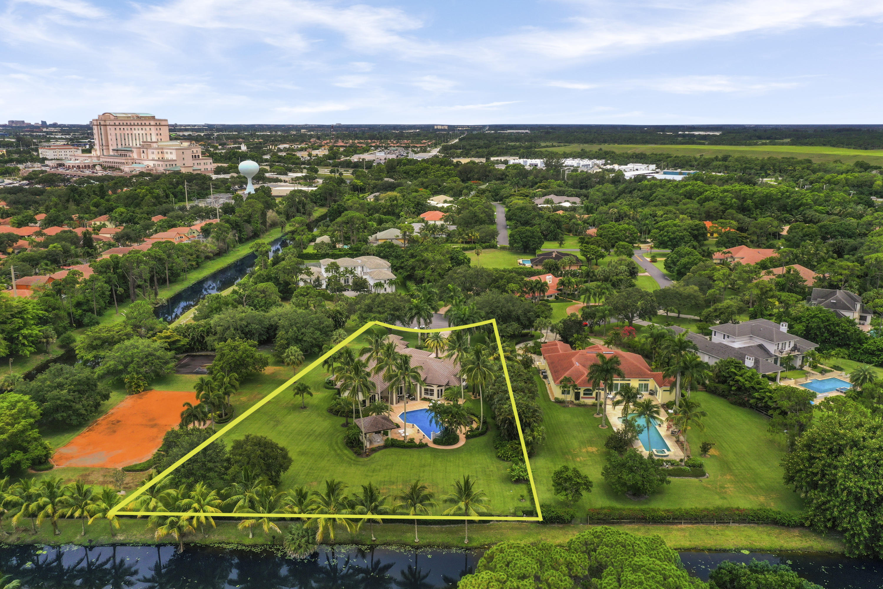 Photo of home for sale at 7733 Bold Lad Road, Palm Beach Gardens FL