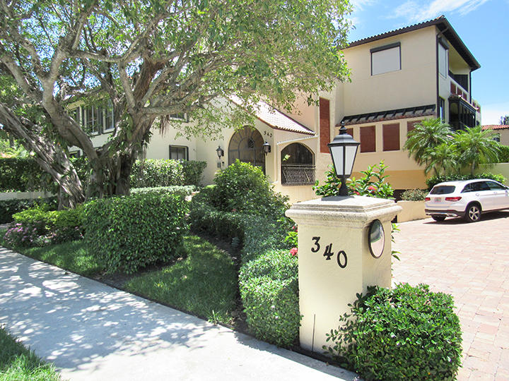 Photo of home for sale at 340 Brazilian Avenue, Palm Beach FL