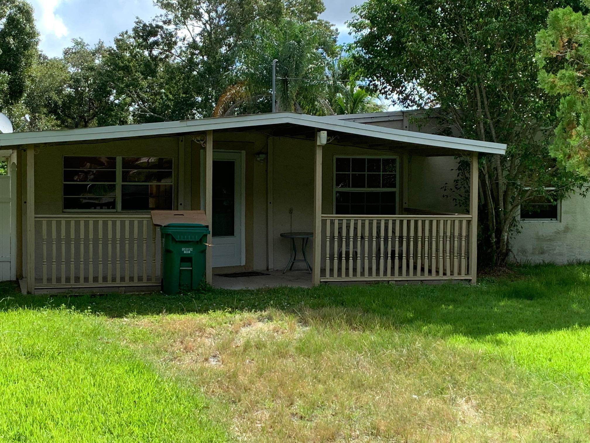 Photo of home for sale at 2506 Rolyat Street, Fort Pierce FL