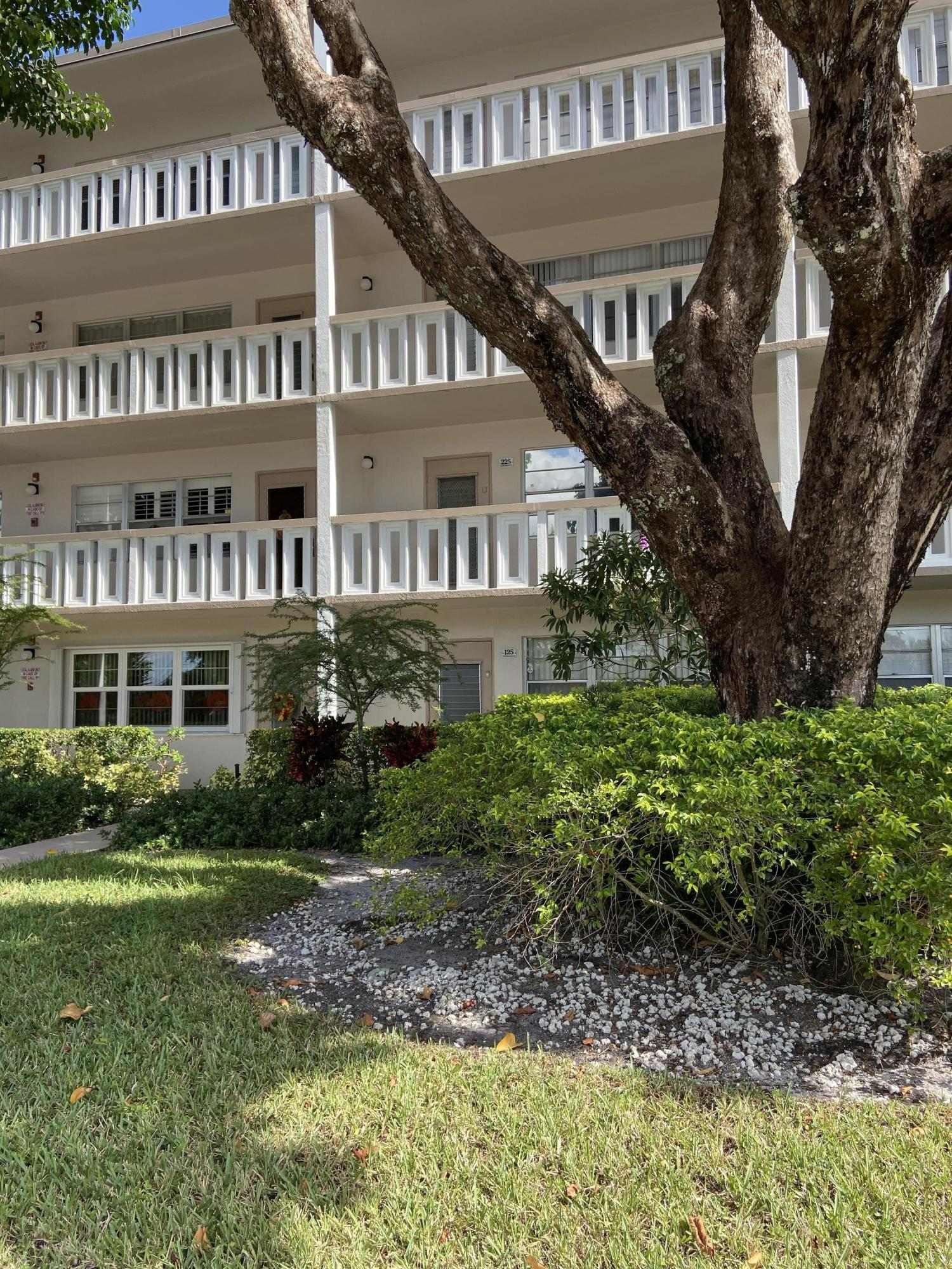 Photo of home for sale at 125 Southampton B, West Palm Beach FL