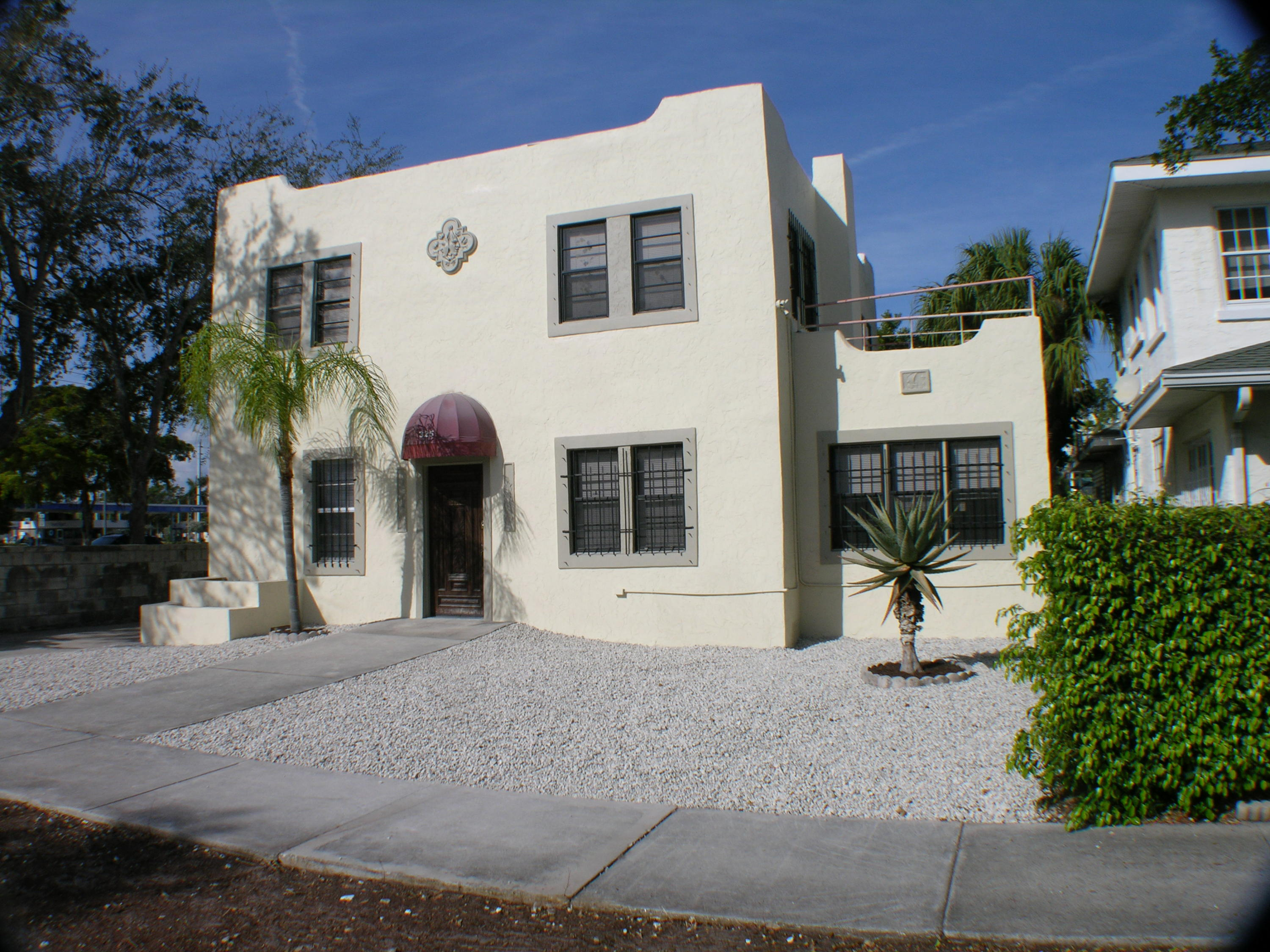 Photo of home for sale at 325 11Th Street, West Palm Beach FL