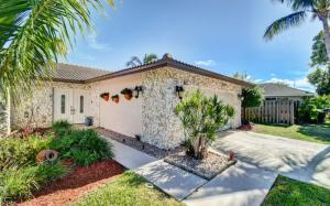 1574 SW 2nd Street  For Sale 10567161, FL
