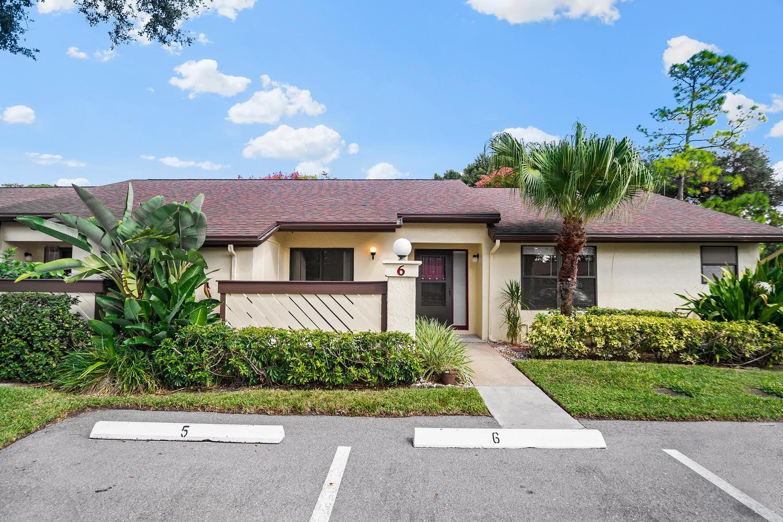 6 Bay Cedar Court Royal Palm Beach, FL 33411