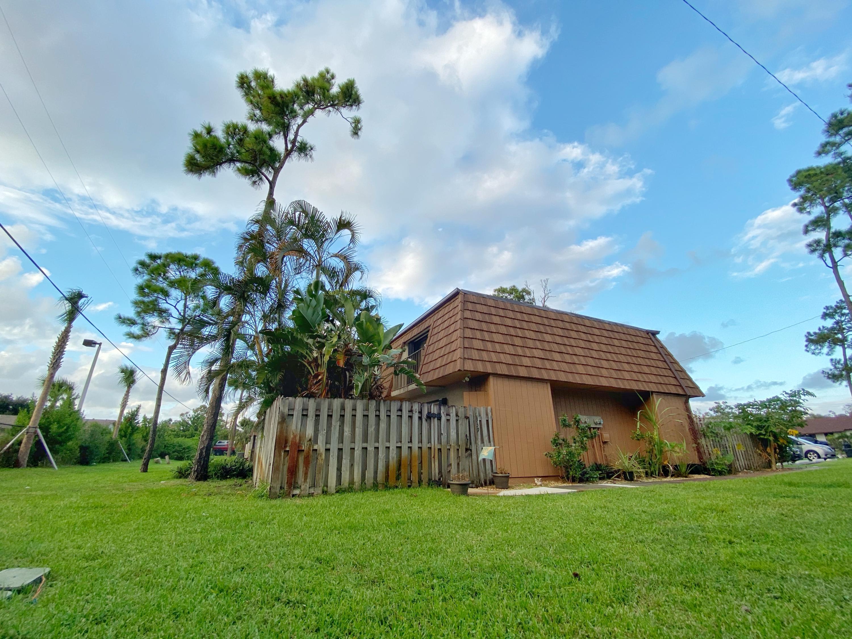 2339 Caroma Lane West Palm Beach, FL 33415