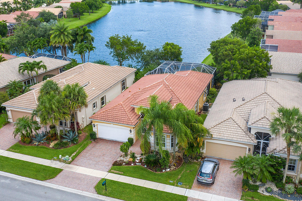 8680 Via Avellino Lake Worth, FL 33467