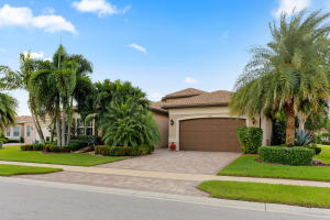 VALENCIA COVE home 8712 Eagle Peak Boynton Beach FL 33473